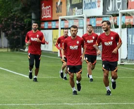 Galatasaraylı futbolcu koronavirüse yakalandı!