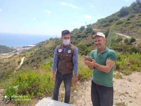Alanya'da keklikleri doğayla buluşturan muhtardan avcılara uyarı