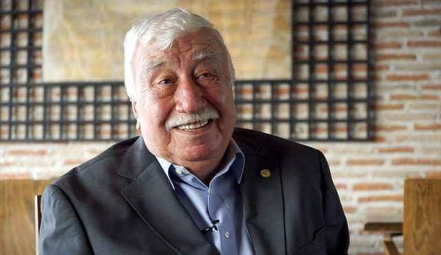 Ahmet Gülhan kimdir? Ahmet Gülhan'in Biyografisi