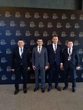 Başkan Yücel'den Bakan Çavuşoğlu'na 'Diplomasi Forumu' teşekkürü