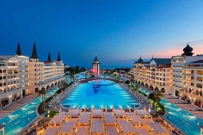 Antalya'daki ünlü otel grubuna şok koronavirüs cezası