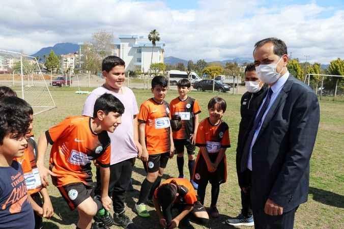 Gazipaşa'da çocuklara özel futbol kursu