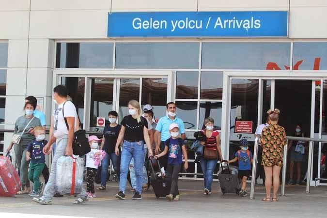 Alanya'nın gözü yollarda: Antalya'ya 12 bin 200 Rus turistin gelmesi bekleniyor