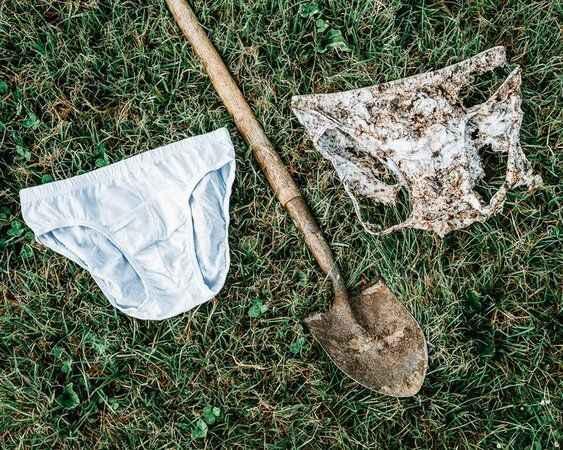 Akıl almaz yöntem! Eğer toprağa iç çamaşırı gömerseniz...