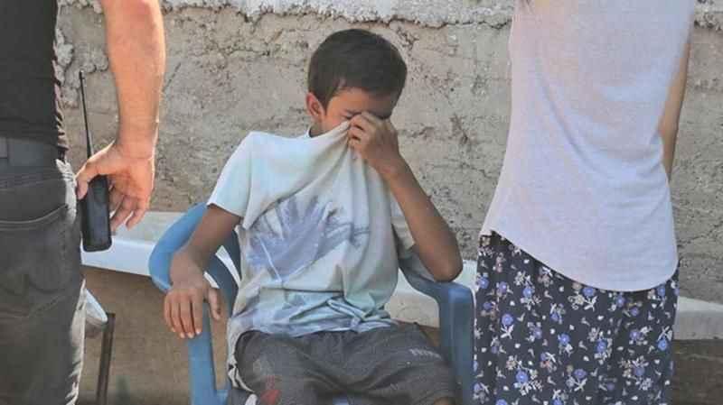 Antalya'da yürekleri sızlatan olay: Anne ve babası yüzünden gözyaşlarına boğuldu