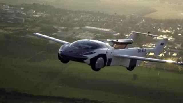 Bilim kurgu gerçek oldu! Uçan araba ilk uçuşunu gerçekleştirdi