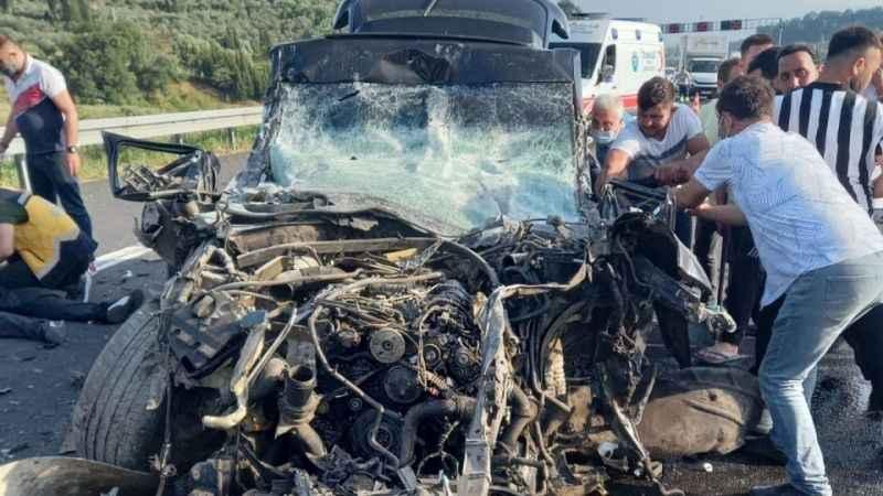 Otobanda feci kaza! Aracın hız kadranı 280'de takılı kaldı