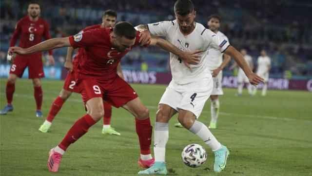 Dünyanın kilitlendiği final maçı öncesi şarkı krizi! Türkiye'yi örnek gösterdiler