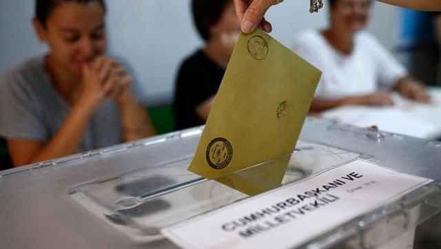 6 anketin ortalamasından siyasi partilere kötü haber!  Z kuşağının yüzde 30'u hiçbirine oy vermedi