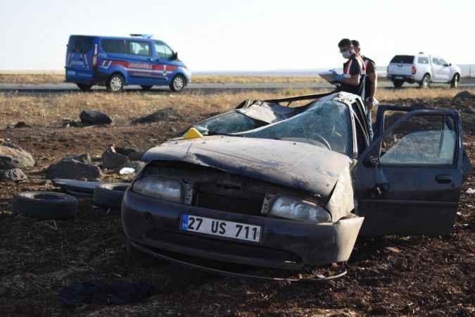 Korkunç kaza! Otomobil şarampole yuvarlandı: 2 ölü, 3 yaralı