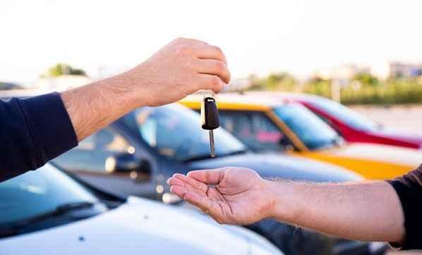 Araba fiyatları ile ilgili son dakika açıklaması! Fiyatlar düşecek mi? Ve belli oldu