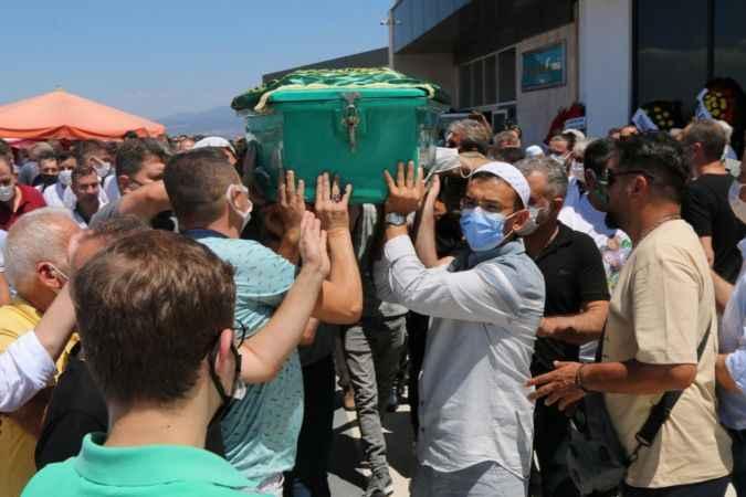 Akhisarspor Başkanı Hüseyin Eryüksel'i son yolculuğunda sevenleri yanlız bırakmadı