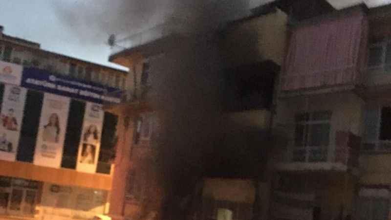 Antalya'da can pazarı! Çıkan Apartman yangını korkuttu