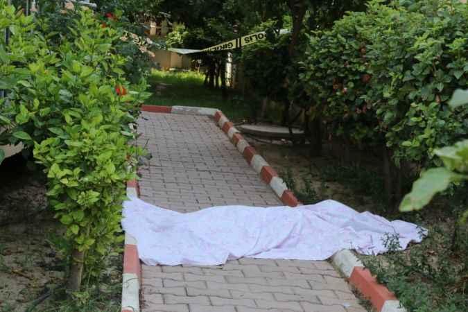 Antalya'da korkunç olay! Yaşlı kadın oturduğu sitenin bahçesinde ölü bulundu
