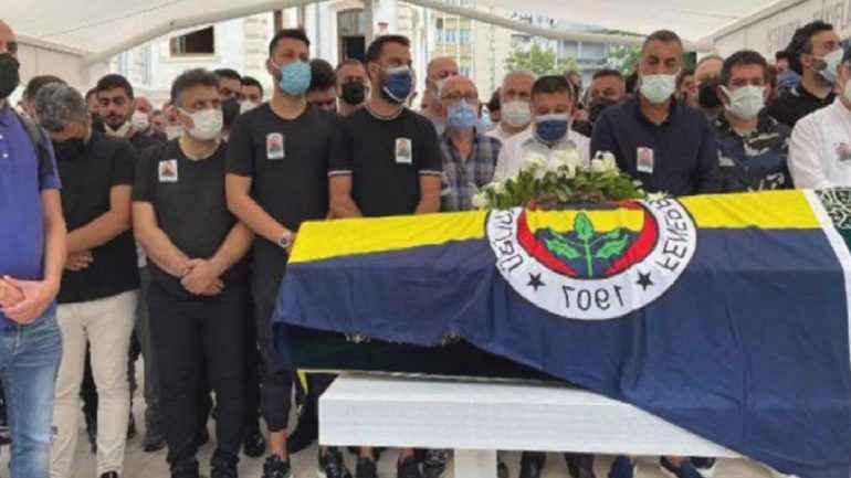 Alişan'ın yakın arkadaşı, kardeşi Selçuk Tektaş'ın cenazesine katılmadı