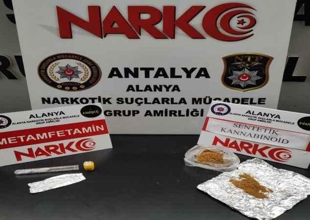 Alanya'da polisten uyuşturucu baskını: 2 gözaltı