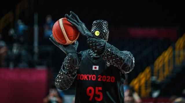 Basketbolcu robot gündem oldu! Attığı her atış basket oldu