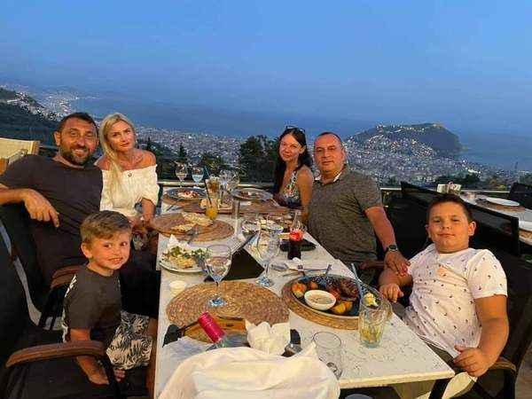 Murat Kayacan, misafirlerini Kurşunlu'da ağırladı.