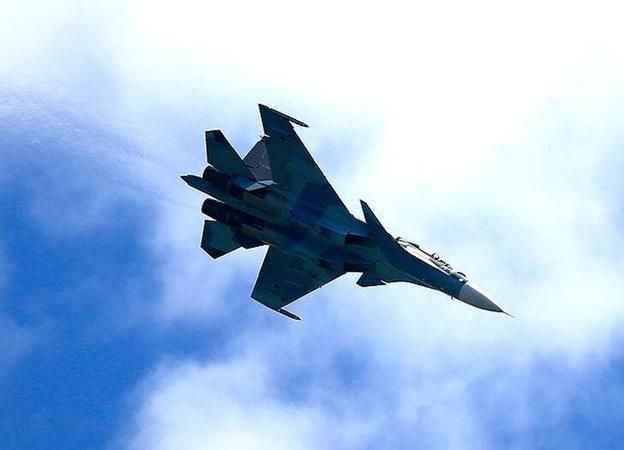 Planlı uçuş yapan Su-35 Rus savaş uçağı denize düştü!