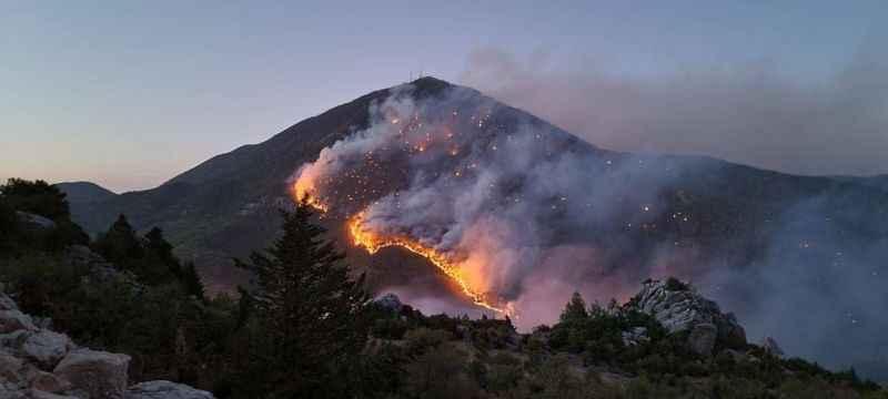 Akseki'deki orman yangını devam ediyor!
