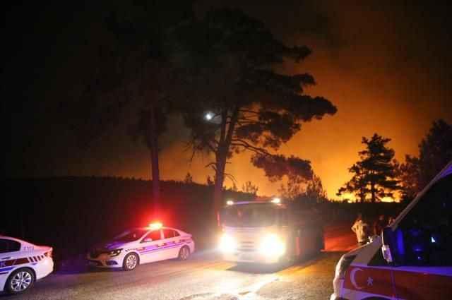 Kötü haberler peş peşe geliyor! Yangın 2 mahalleye daha sıçradı