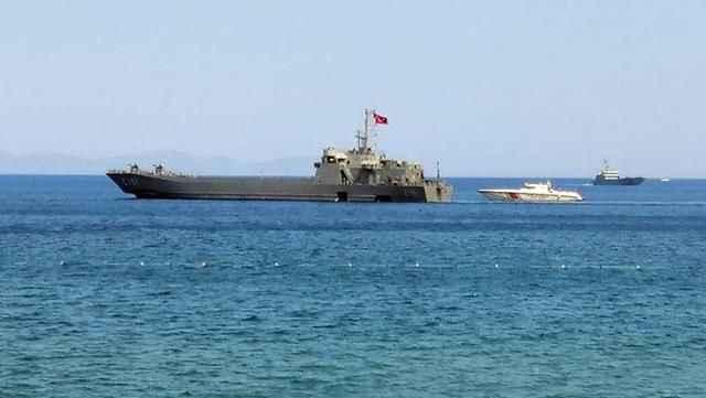 MSB, iki çıkarma gemisini Marmaris'e sevk etti