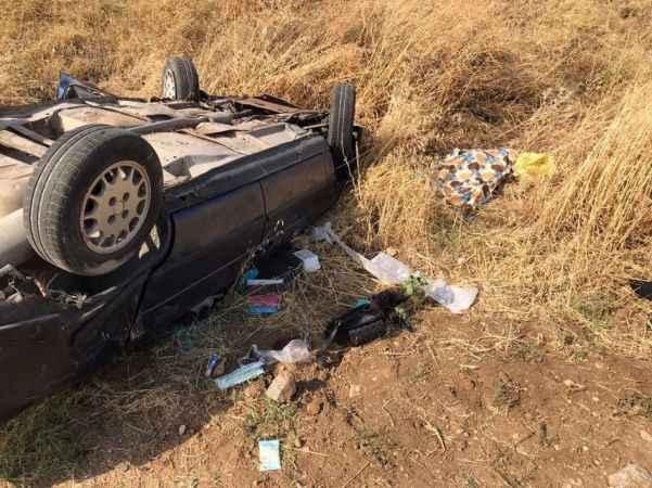 Feci kaza! Otomobil tarlaya uçtu: 1 ölü, 1 yaralı