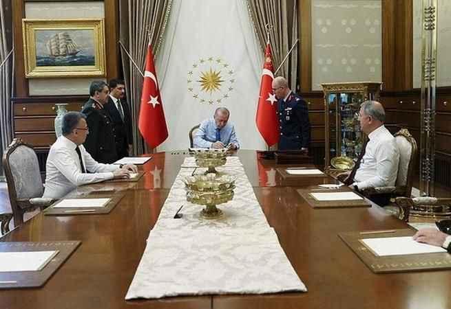 Cumhurbaşkanı Erdoğan YAŞ kararlarını onayladı! Yeni Kara Kuvvetleri Komutanı belli oldu