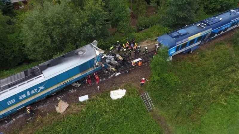 Korkunç tren kazasında can kaybı 3'e yükseldi