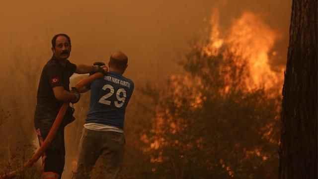 152 yangın kontrol altında, 11 noktada alevlere müdahale ediliyor! İşte il il son durum