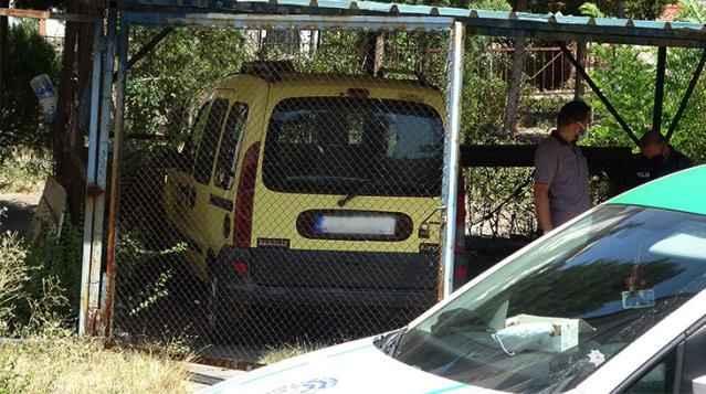 Taksi şoförü tavana asılı halde bulundu!