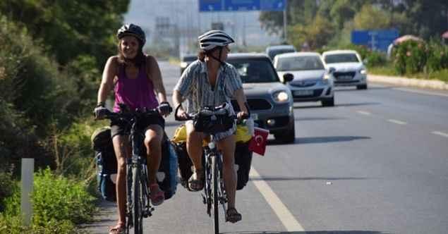 3 kadın zoru başardı! Avusturya'dan Türkiye'ye bisikletle bir ayda geldiler