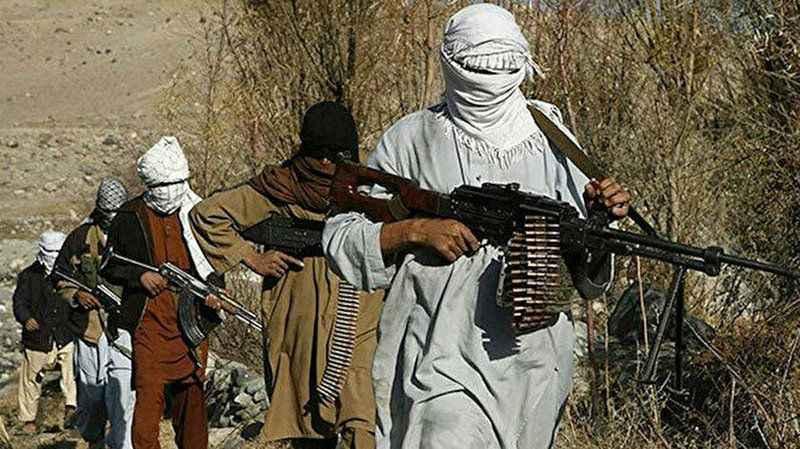 Afganistan'da Taliban'ın ilerleyişi sürüyor! İki vilayet merkezini daha ele geçirildi