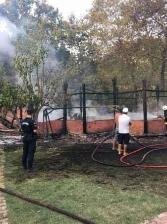 Kumluca'da korkutan otel yangını! Bazı bölümler kullanılmaz hale geldi
