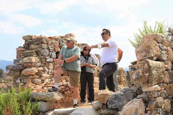 ALKÜ Rektörü Kalan antik kenti inceledi