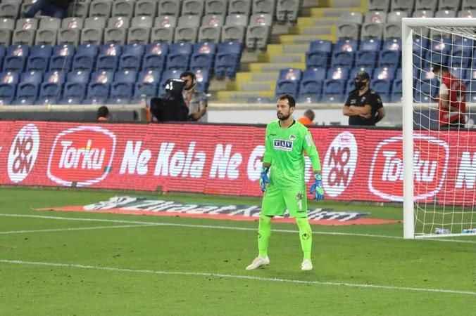 Alanyaspor'un file bekçisi Serkan, kalesinde devleşti