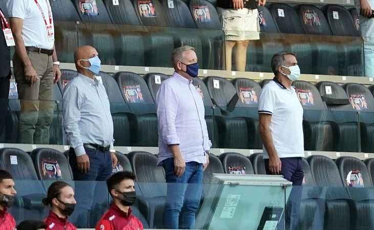 Alanyaspor'un açılış maçında Şenol Güneş'de tribündeydi