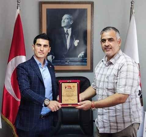 Genç başkan Özgür Subaşı, TÜFAD başkanı Mehmet Yorulmazlar'ı makamında ziyaret etti
