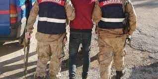 Patlayan lastik ele verdi! Yabancı uyruklu 15 kişi yakalandı