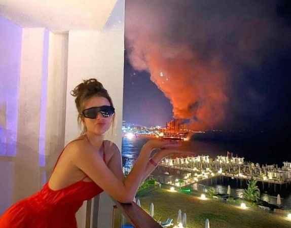 Alanya'da tur tekneleri yanarken çekilen fotoğraf tepki topladı