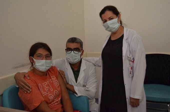 Başhekim Lakadamyalı'dan gençlere aşı çağrısı!
