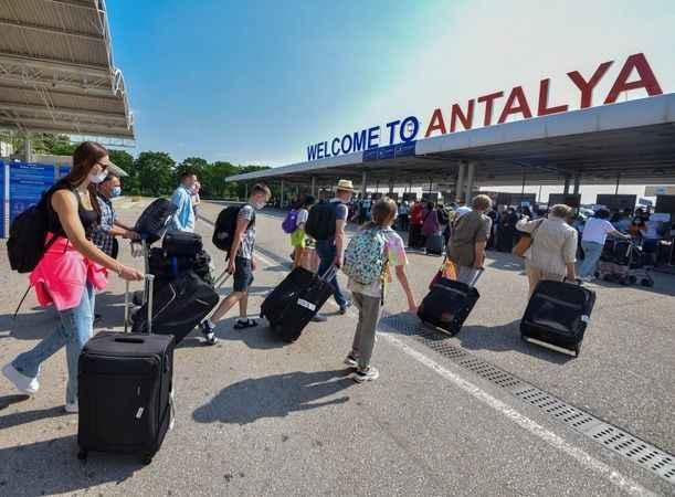 İşte Antalya'ya gelen toplam turist sayısı!
