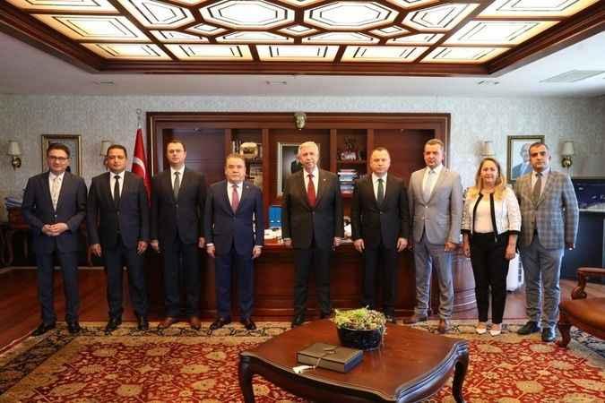 Antalya BŞB Başkanı Böcek THK toplantısına katıldı