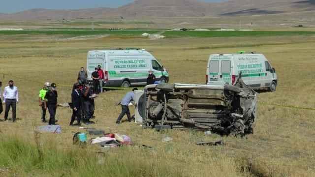 Tatil yolculuğu faciayla bitti! Anne ve 2 kızı trafik kazasında hayatını kaybetti