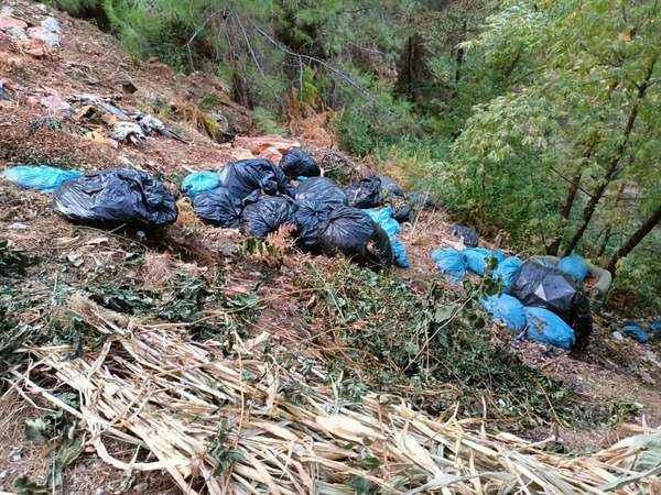 Alanya'da muhtarın çöp isyanı