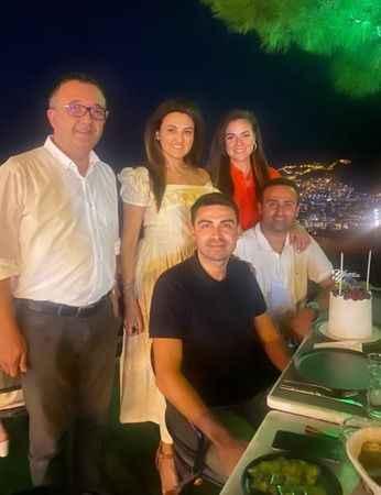 Ali Kamburoğlu, Tuba Kamburoğlu, Turan Gemicioğlu, Gamze Gemicioğlu, Halis Gemicioğlu.