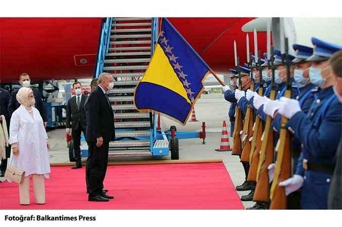 Cumhurbaşkanı Erdoğan, Bosna Hersek'te resmi törenle karşılandı