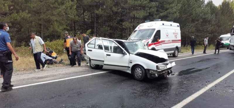 Korkunç kaza! Tır ile otomobil çarpıştı: 2 yaralı