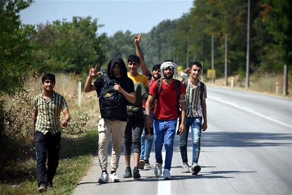 Afganları göç ettiren söylenti! Duyan oraya koştu