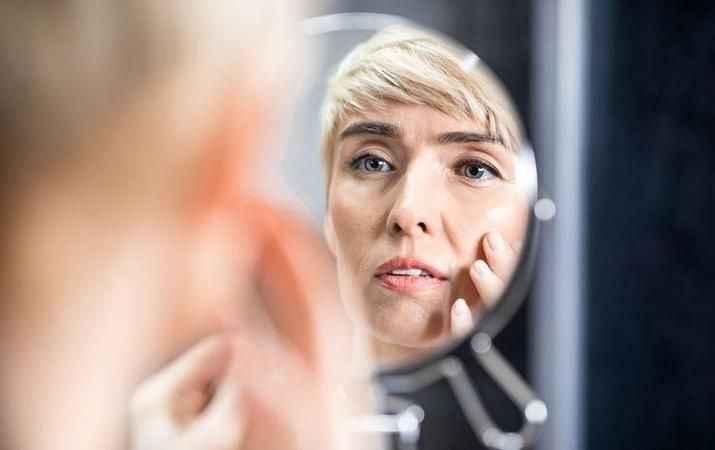 Sadece yaşlanmayla ortaya çıkmıyor! 20'li yaşlarda bile görülebiliyor: Kurtulmanın 4 yolu var